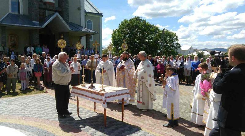 Посвячення каплиці в с. Назавизів