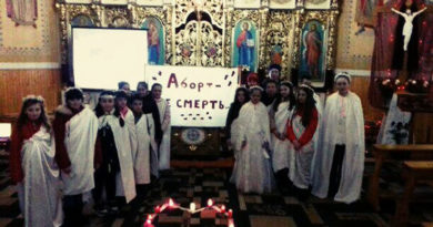 У Назавизові молились Хресну Дорогу ненародженої дитини