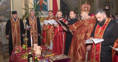 Владика Василій (Івасюк) звершив чин Соборування у Надвірній