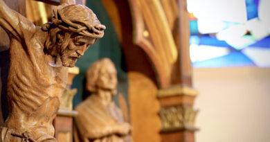 Різниця між правдивою та фальшивою вірою