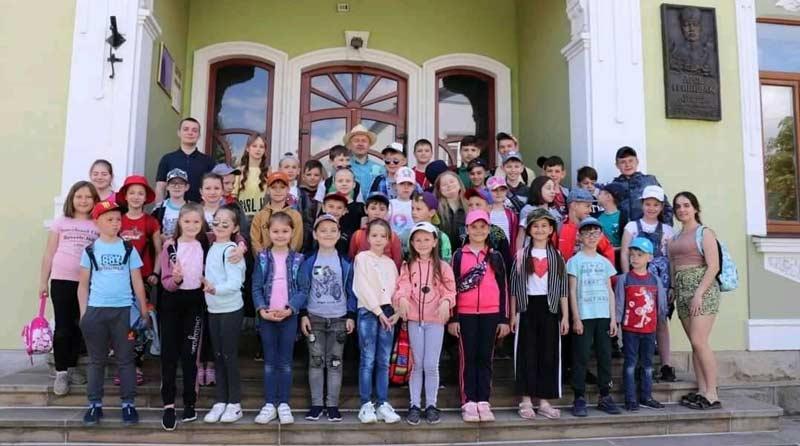 У Надвірній проходить Християнський дитячий табір «Літні канікули з Богом»